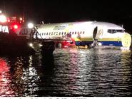 هبوط طائرة بوينغ تقل 136 راكباً في نهر بفلوريدا