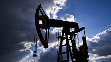 النفط يرتد نزولاً بعد ارتفاع مفاجئ لمخزونات أميركا