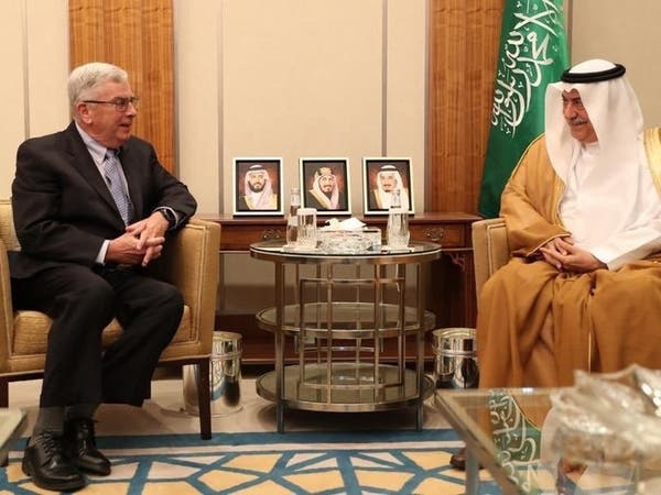 الرياض.. سفير أميركا يسلم نسخة من أوراق اعتماده للعساف