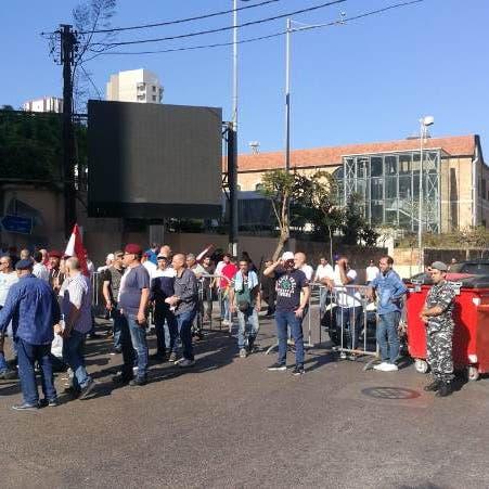 تعليق اعتصام العسكريين المتقاعدين أمام مصرف لبنان