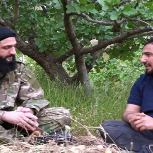 الجولاني يظهر بسلاح البغدادي.. طالباً الدفاع عن معقله
