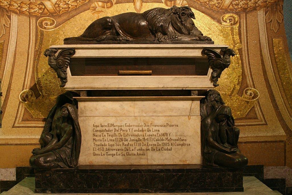 قبر فرانسيسكو بيزارو بمدينة ليما