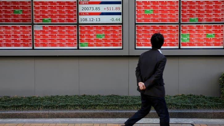 أسهم اليابان تنخفض مع ارتفاع الين