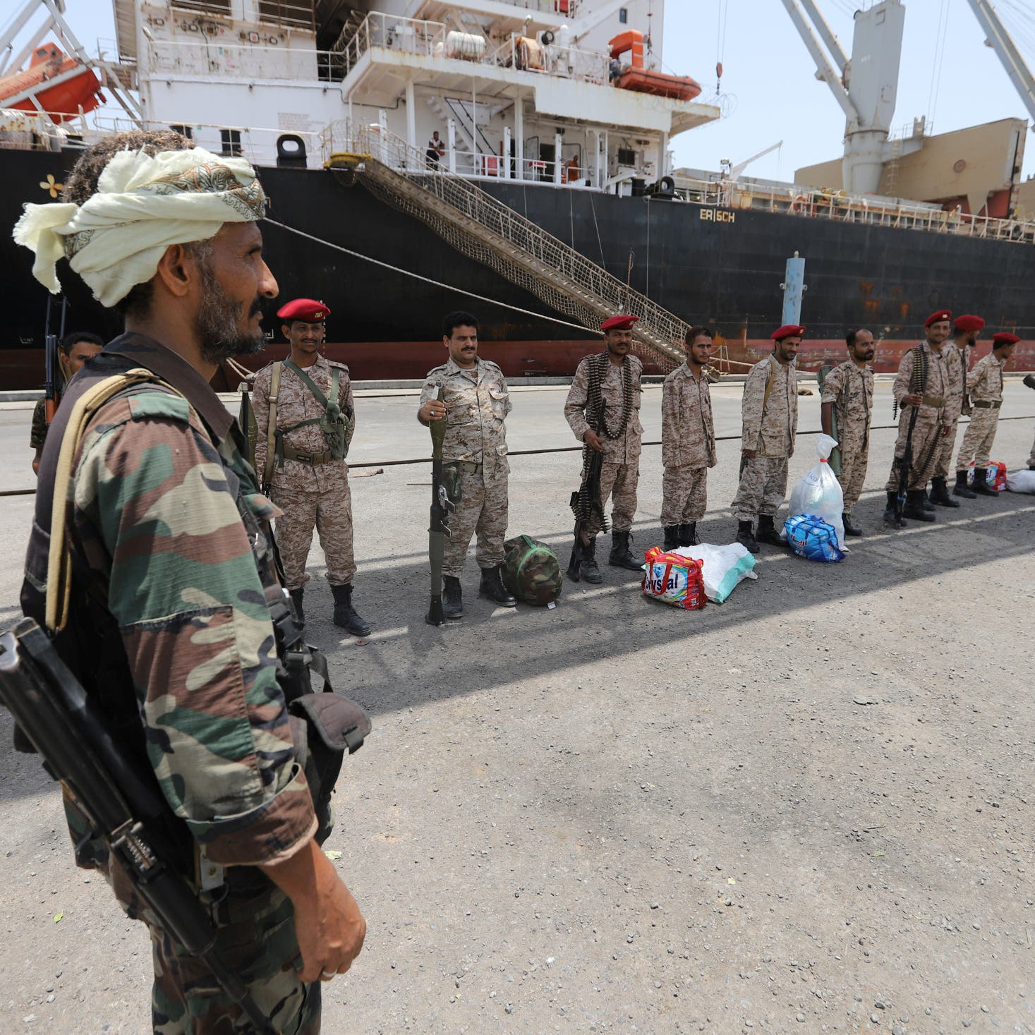 اليمن.. انفجارات عنيفة تهز ميناء الصليف بالحديدة