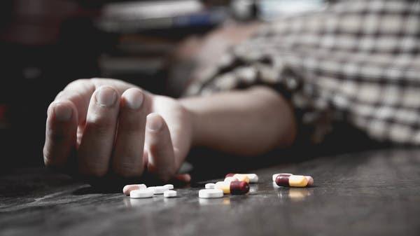 مصري يدير مصحة  للإدمان.. يسقط متوفياً بجرعة هيروين!