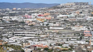 بالصور.. قرى النماص تكتسي باللون الأبيض