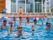 فريق للسباحة الفنية.. للرجال ما فوق الـ40 ودون لياقة بدنية