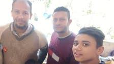تین قبطی بھائی مصری مسلمان روزہ داروں کی افطاری میں مصروف عمل