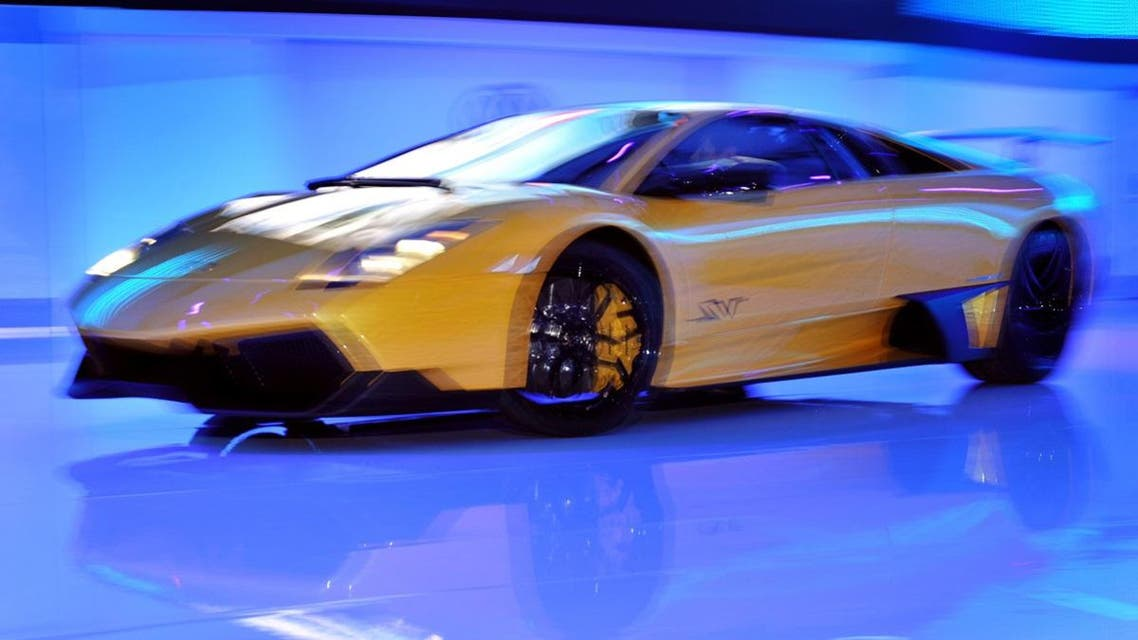 The new Lamborghini Murcielago LP 670- 4 SuperVeloce is displayed during a preview of the Volkswagen group ahead of the 79th Geneva Car Show on March 2, 2009 in Geneva. The first European automobile rendez-vous of the year runs from March 5 to 15 and is expected to attract some 700,000 visitors, according to organizers. AFP PHOTO / FABRICE COFFRINI FABRICE COFFRINI / AFP