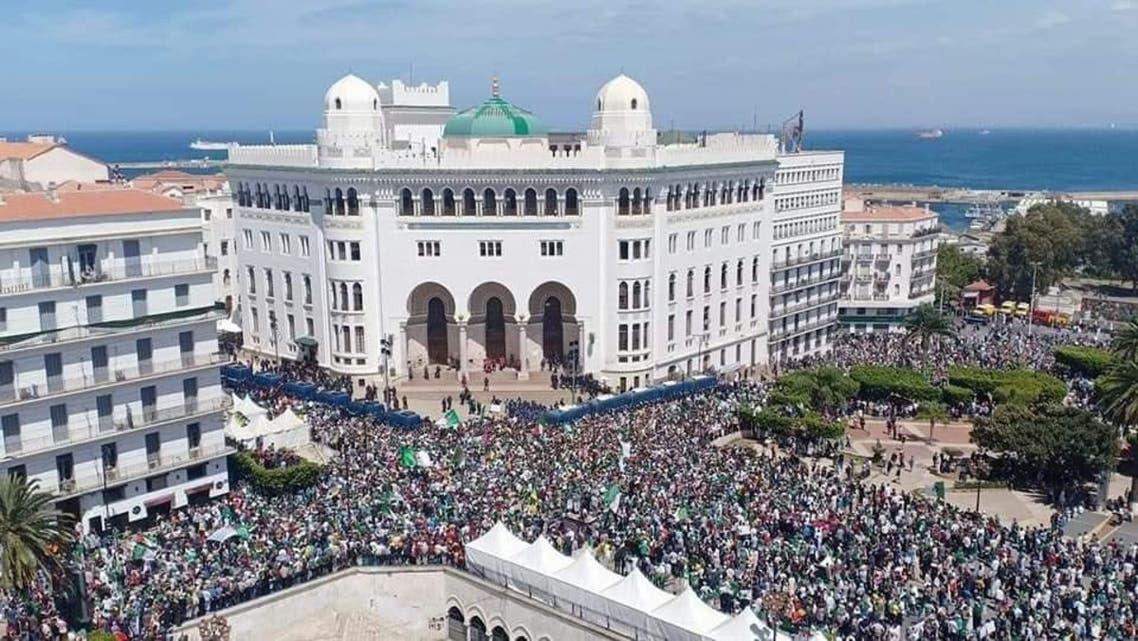 ساحة البريد  في الجزائر خلال المظاهرات
