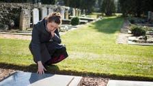 دراسة صادمة.. وفاة صديق قد يصيبك بالجنون