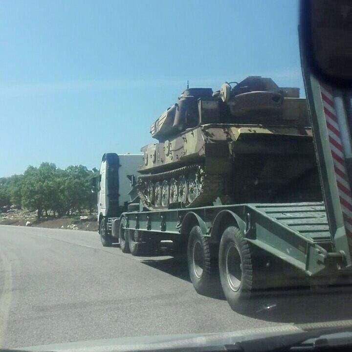 بآليات ودبابات.. أميركا وإيران تستعدان للمواجهة على الملعب العراقي