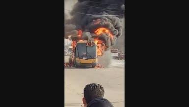 فيديو.. النيران تلتهم حافلة بمصر بسبب ارتفاع حرارة الجو