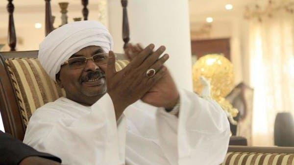 """قصة """"صندوق"""" غامض لا يفتح إلا بتوقيع مدير أمن عمر البشير"""