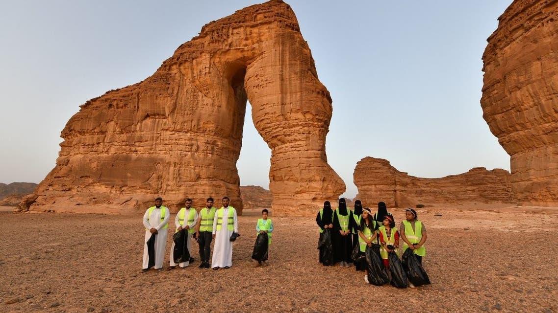 المتطوعون عند جبل الفيل