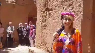 فيديو.. غناء سيدة في قرية أثرية يغضب متشددي إيران