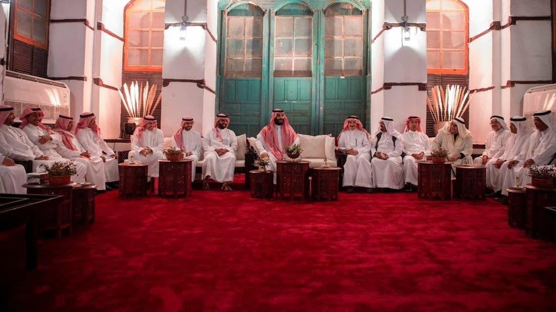 ولي العهد يلتقي مجموعة من المثقفين السعوديين 1