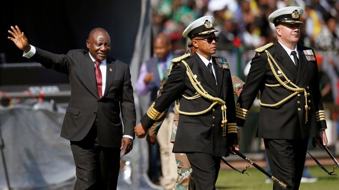 Cyril Ramaphosa waves after taking the oath of office at his inauguration as South African president at Loftus Versfeld stadium in Pretoria, South Africa May 25, 2019. (Reuters)