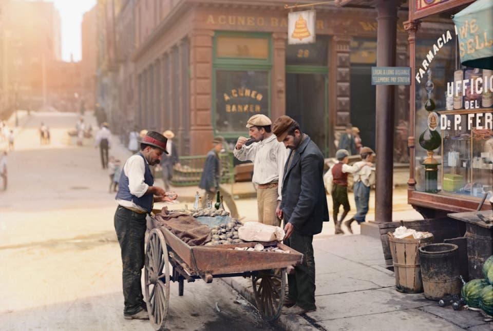 صورة ملونة اعتمادا على التقنيات الحديثة لأحد أحياء نيويورك مطلع القرن العشرين