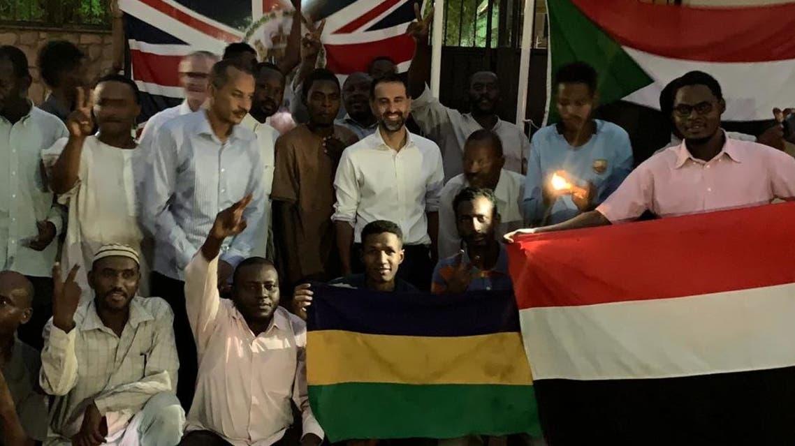 برگزاری نماز جماعت در سودان به امامت سفیر بریتانیا در خارطوم