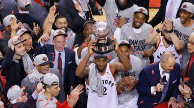 كواي يقود تورونتو رابتورز إلى نهائي دوري السلة الأميركي لأول مرة