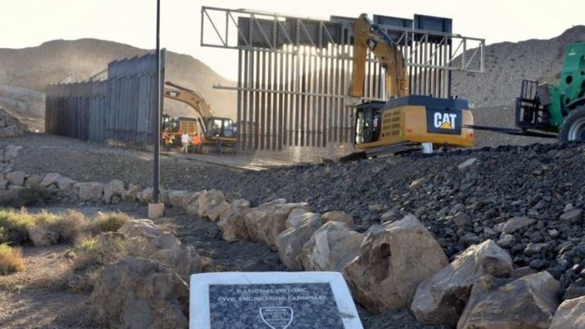 جدار خاص على حدود أميركا مع المكسيك