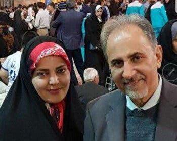 محمد علي نجفي وزوجته