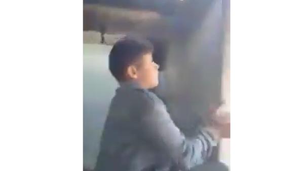 فيديو صادم لأطفال يقلّدون العمليات القتالية بليبيا