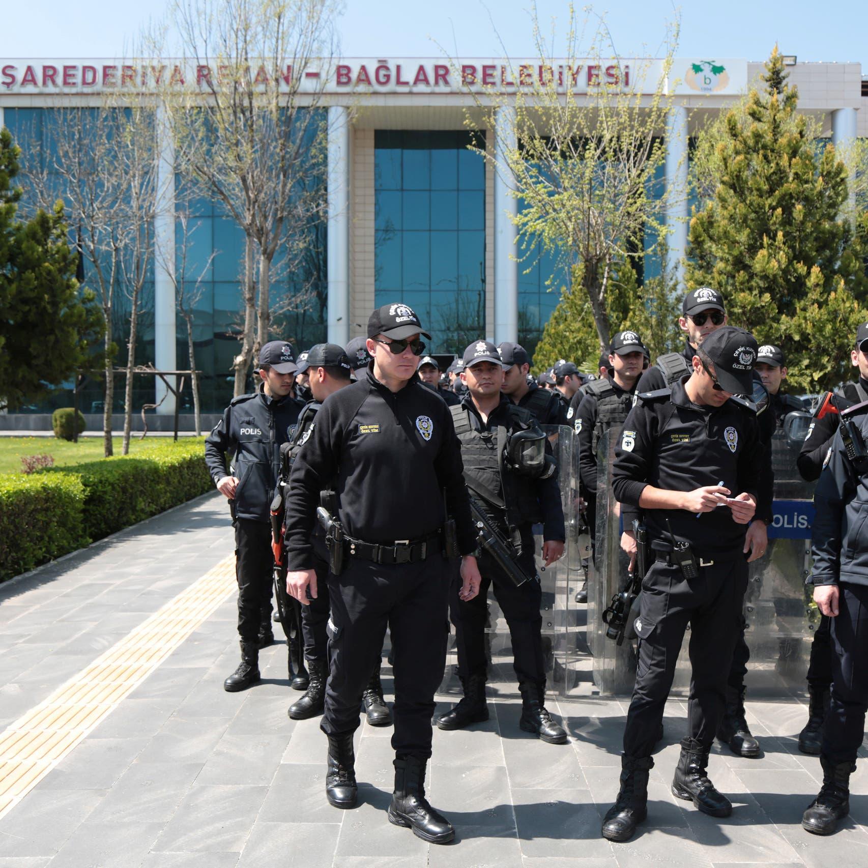 رويترز: تعرض 5 من موظفي الخارجية التركية للتعذيب بالحجز