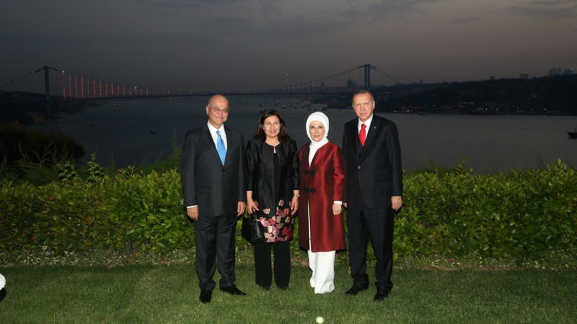 أردوغان وصالح وزوجتيهما في تركيا