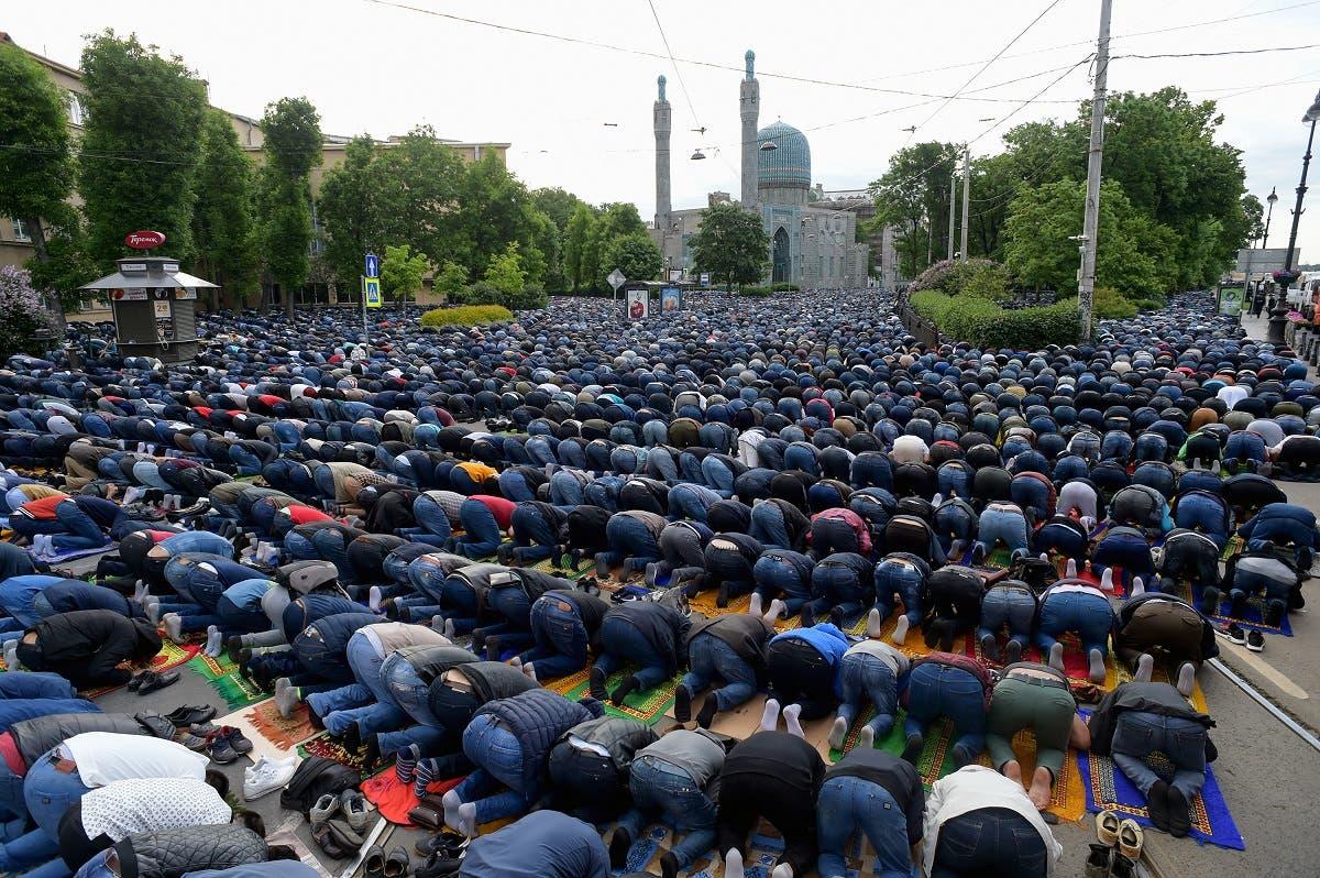 Eid al-Fitr celebration in Saint Petersburg's mosque on June 4, 2019. (AFP) June 4, 2019. (AFP)