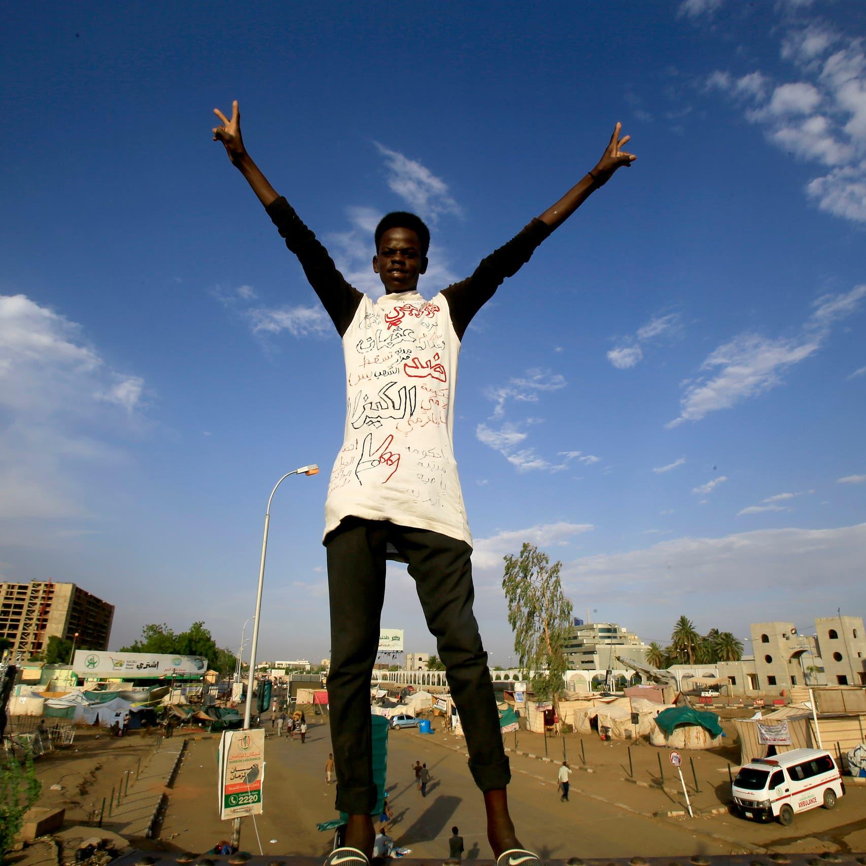 الإمارات: نأمل بتغليب الحوار بين الأطراف السودانية