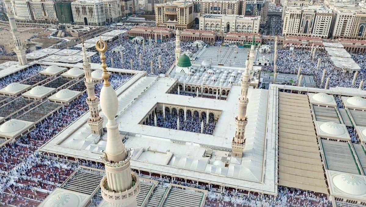 Saudi Al-Masjid aN-Nabawi Mosque in Medina Eid al-Fitr prayer. (SPA)