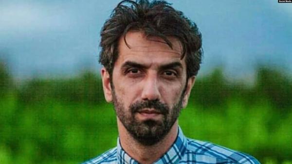 """الحرس الثوري يعتقل شاعراً من رواد """"بيت"""" خامنئي"""