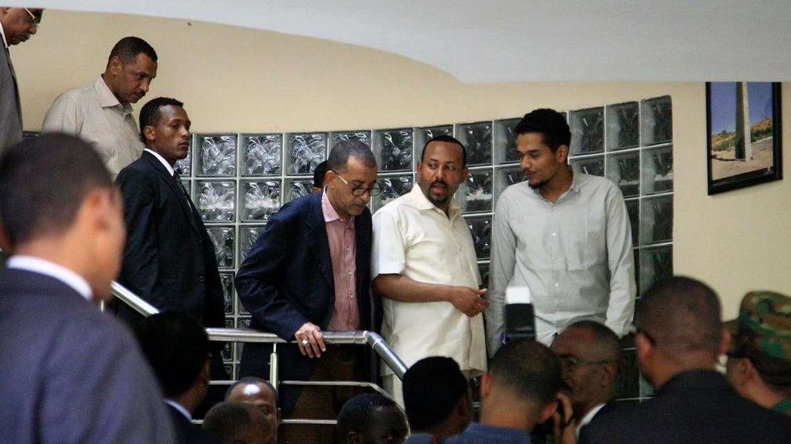 Ethiopia's Prime Minister Abiy Ahmed (2nd-R) meeting a delegation of the Alliance of Freedom and Change in the Ethiopian embassy in Khartoum in Khartoum on June 7, 2019. (AFP)