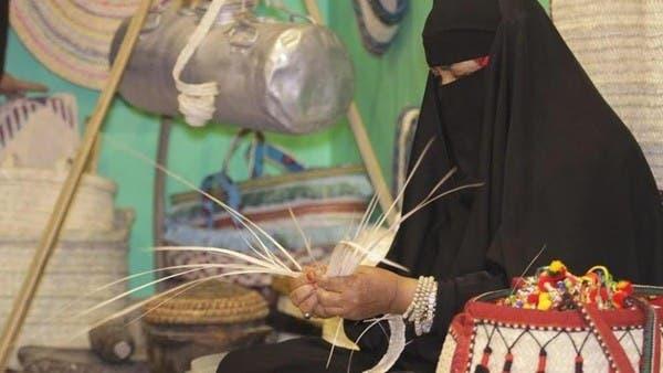 هكذا احتفظت سيدة من جنوب السعودية بـ 1500 قطعة تراثية