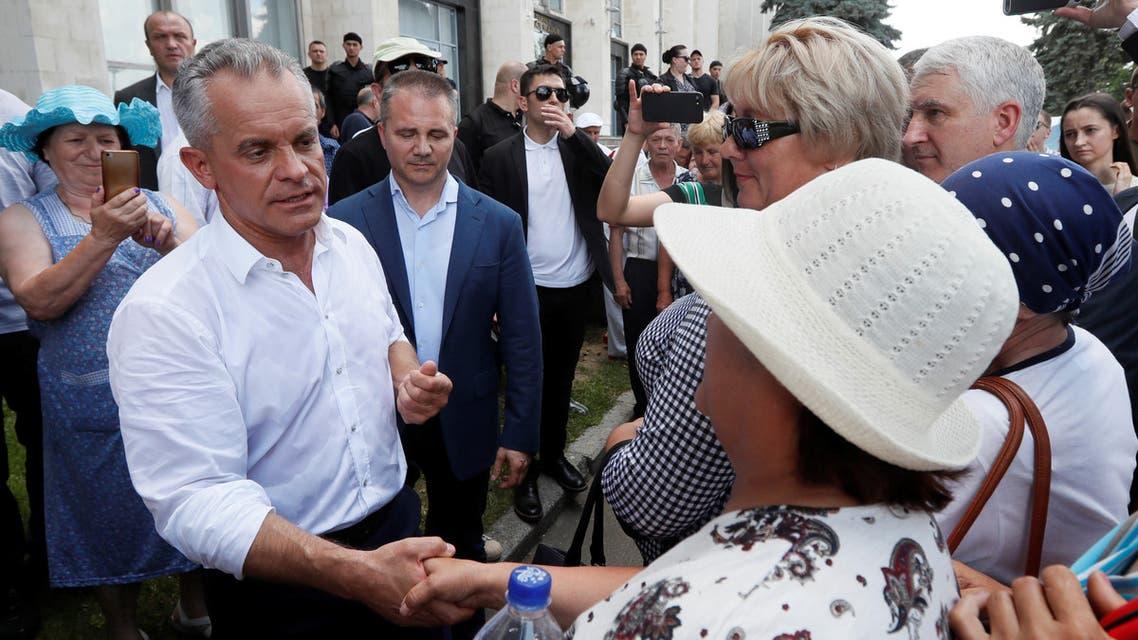 2019-06-09T130939Z_1091957191_RC1DB20F31D0_RTRMADP_3_MOLDOVA-POLITICS