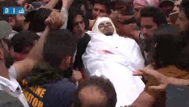 بالصور.. حارس الثورة السورية يوارى الثرى في إدلب