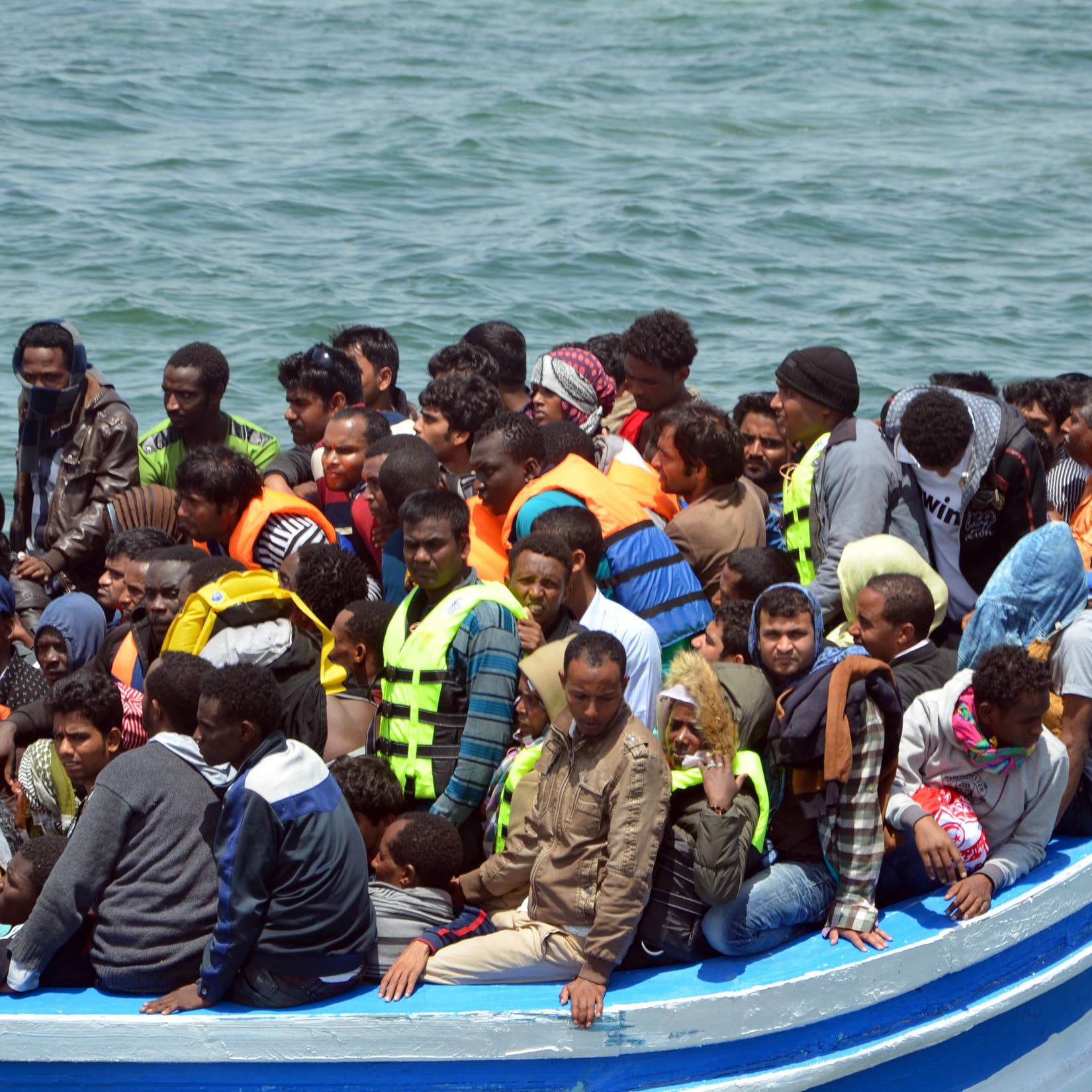 مأساة المهاجرين مستمرة.. غرق العشرات قبالة سواحل تونس