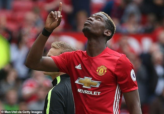 بوغبا لاعب مانشستر يونايتد