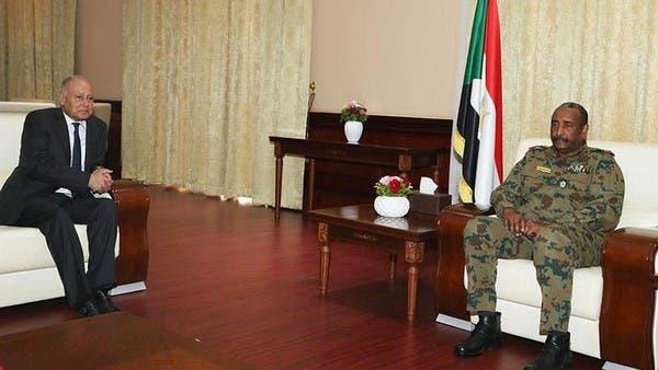 البرهان يبحث مع أبوالغيط الأوضاع الراهنة في السودان