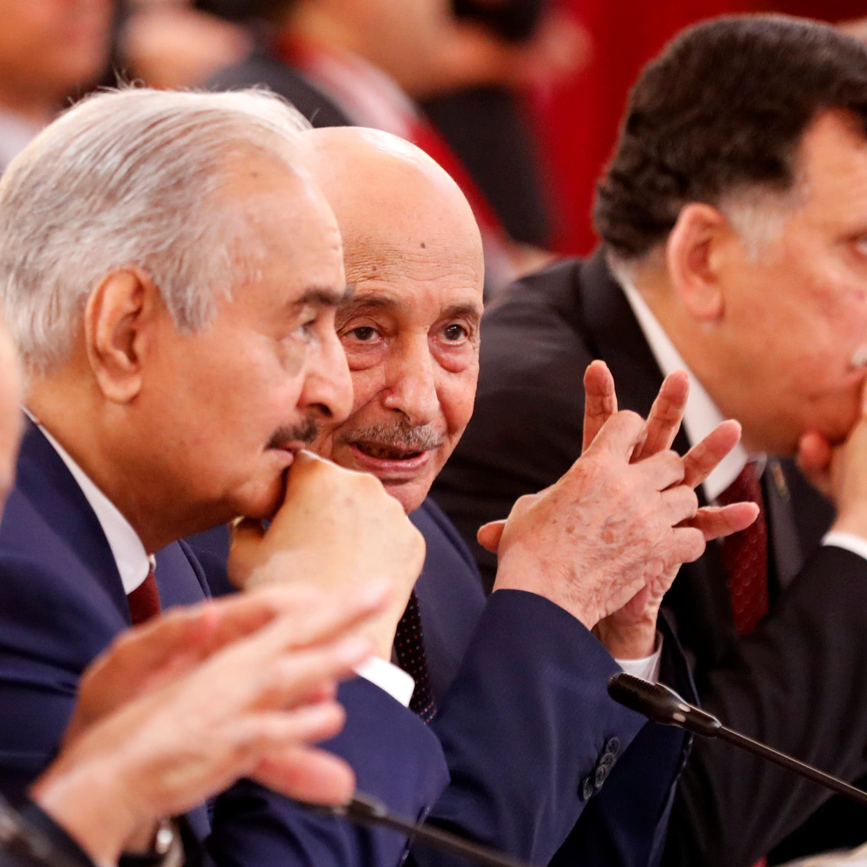 ليبيا.. طرفا اللجنة العسكرية يعلقان مشاركتهما بمباحثات جنيف