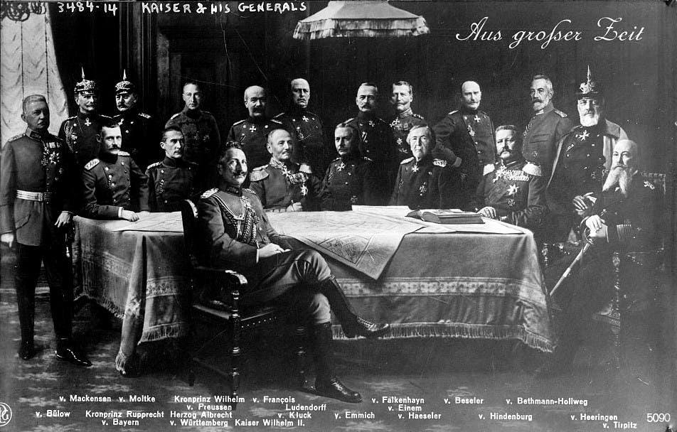 صورة تجمع فيلهلم الثاني وعددا من كبار جنرالاته
