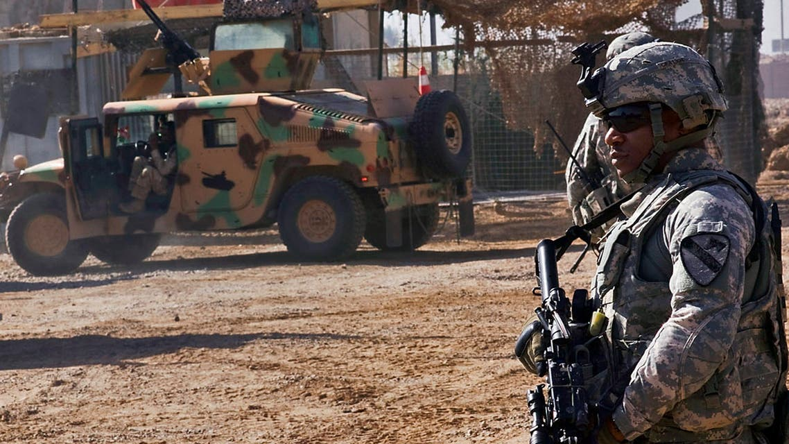 جندي في معسكر التاجي العراق