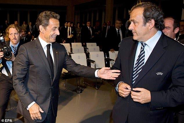 بلاتيني مع الرئيس الفرنسي السابق