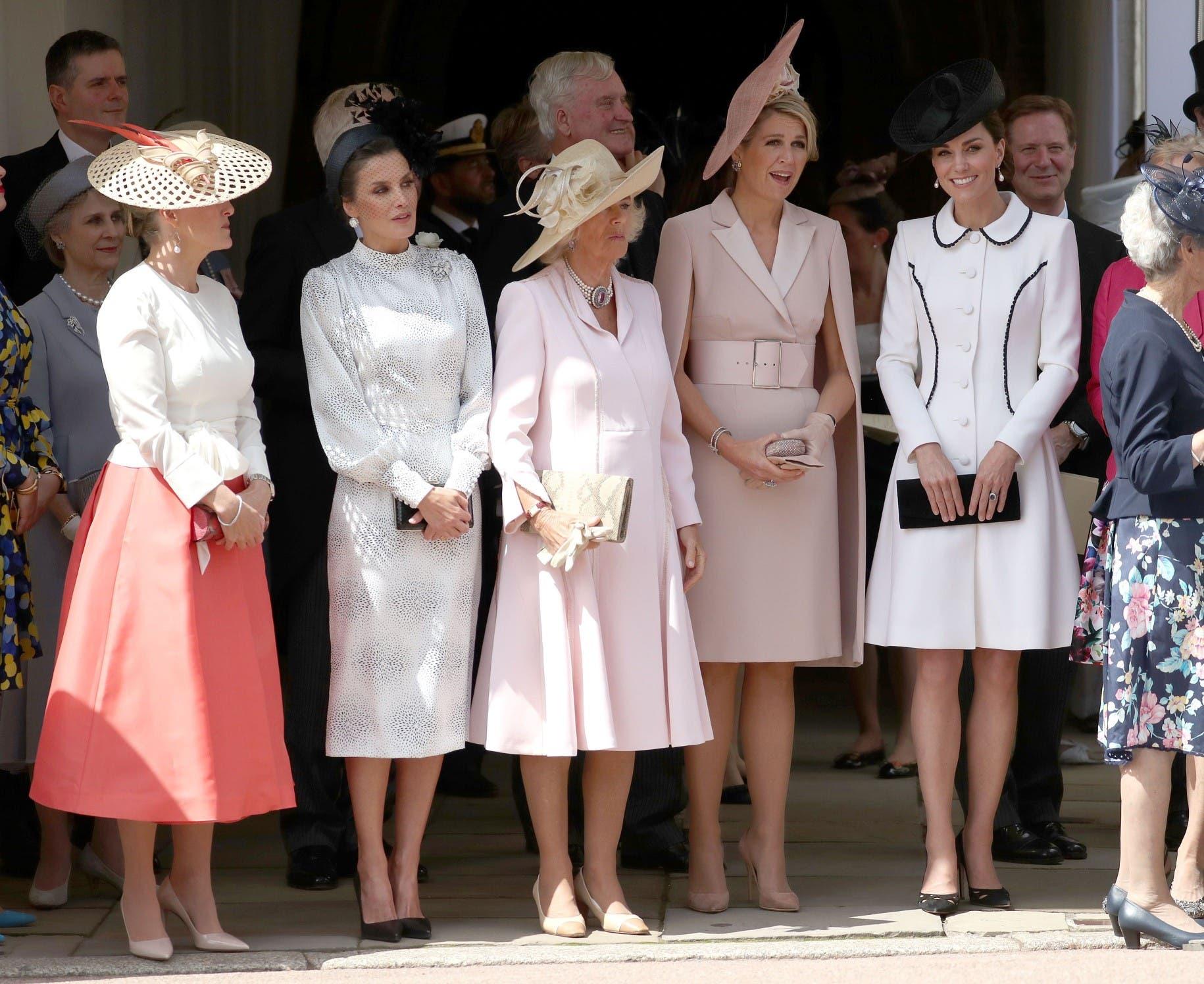 من اليمين إلى اليسار كايت دوقة كامبريدج، الملكة ماكسيما، كاميلا دوقة كونروال، الملكة ليتيزيا وصوفي دوقة ويسيكس،