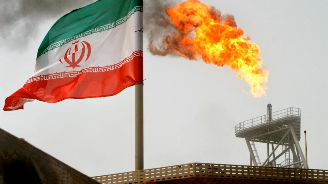 ما سبب التراجع الضخم في صادرات إيران النفطية؟
