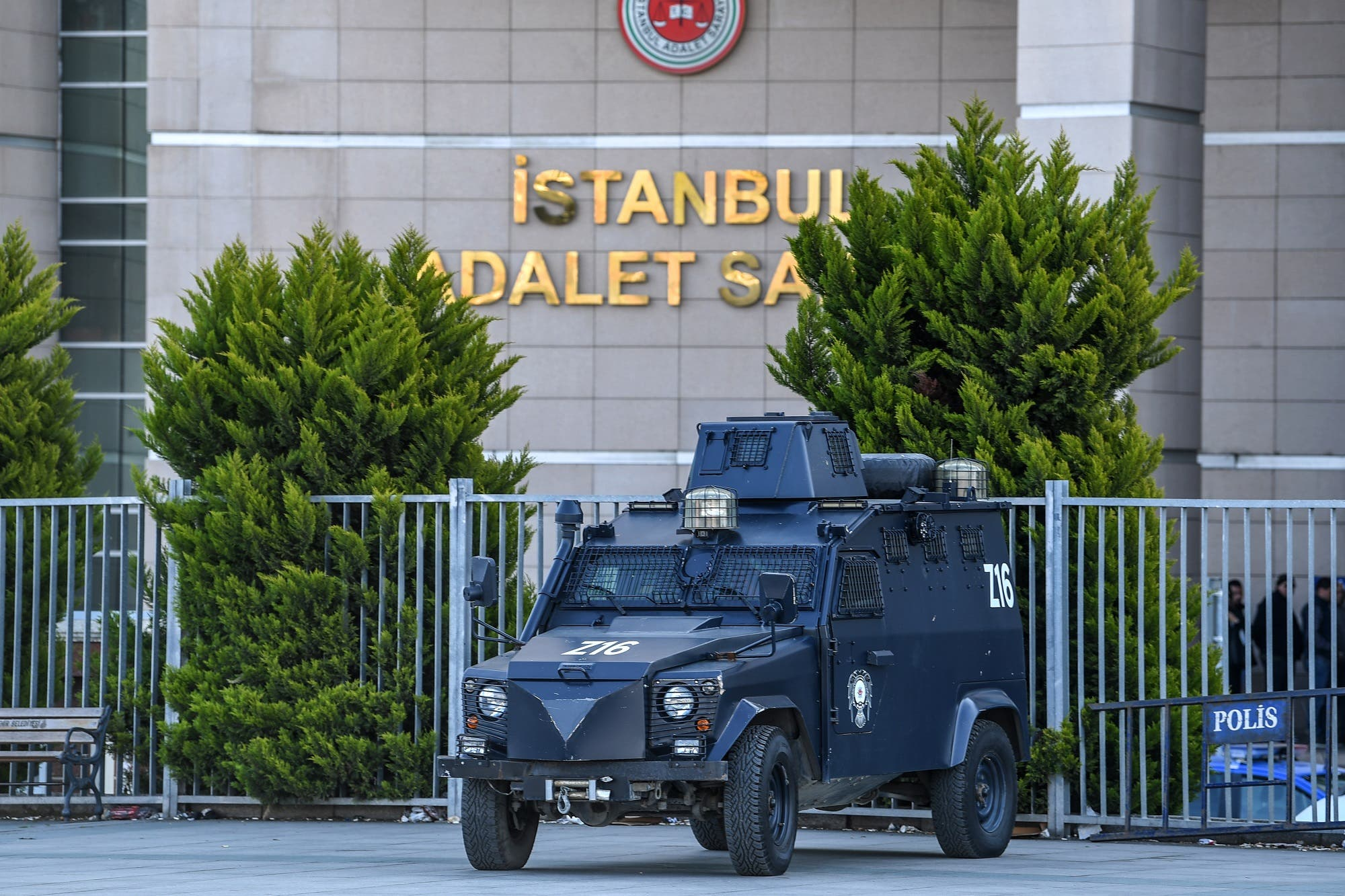 An armored Turkish police vehicle stands outside the courthouse in Istanbul. (File photo: AFP)