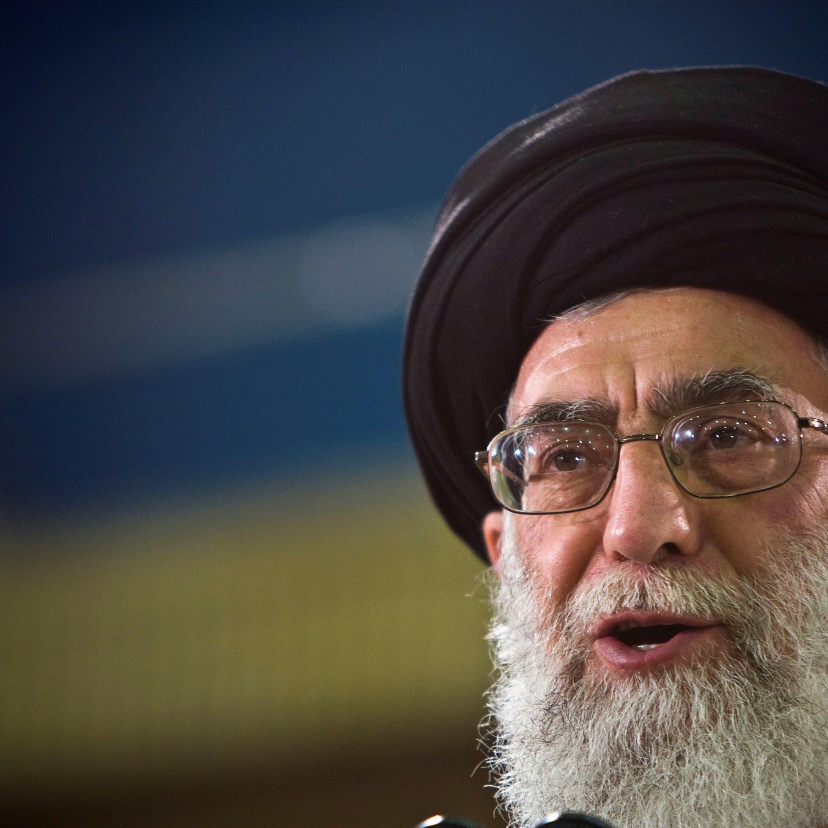 كيف يتحكم خامنئي بوسائل الإعلام الإيرانية؟
