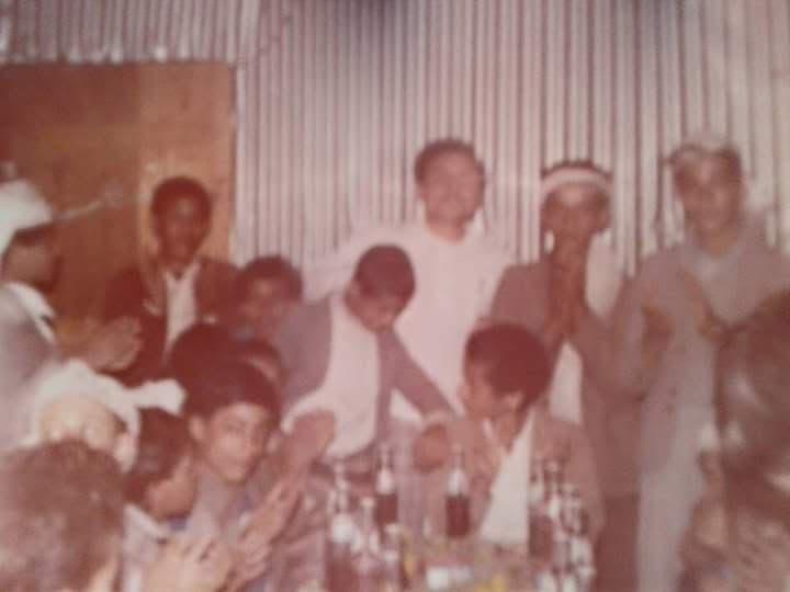 حفل مدرسي في اليمن بحضور المعلم المصري